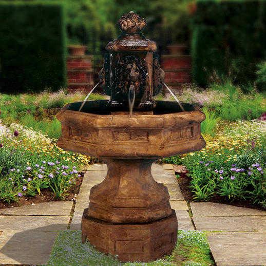 Classic Lion Fountain