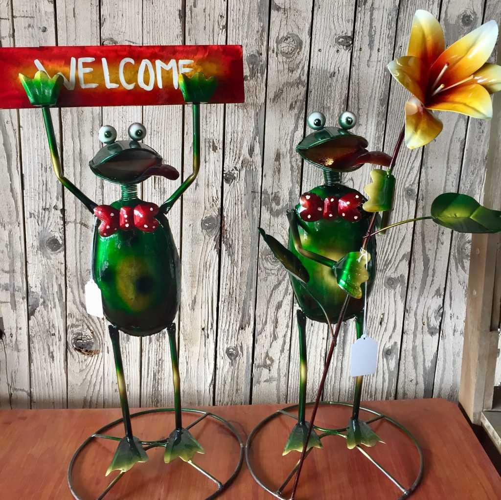 Painted Metal Frogs